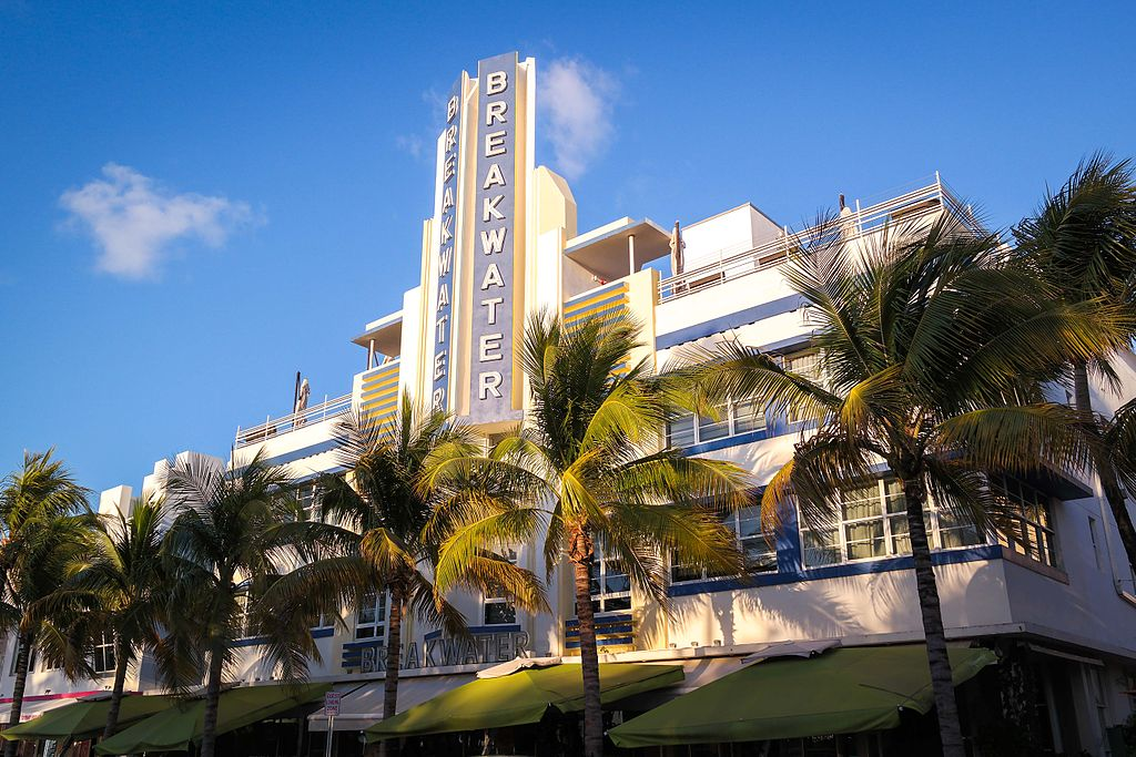 Breakwater Hotel Miami Beach) By Visitor7 (Own work)