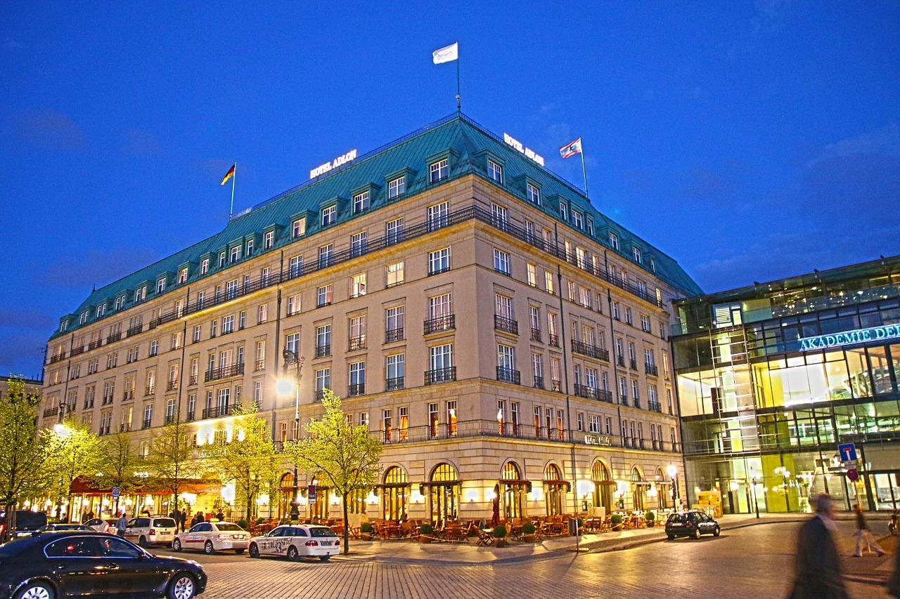 Hotel Adlon Kempinski Berlin © moerschy / Pixabay