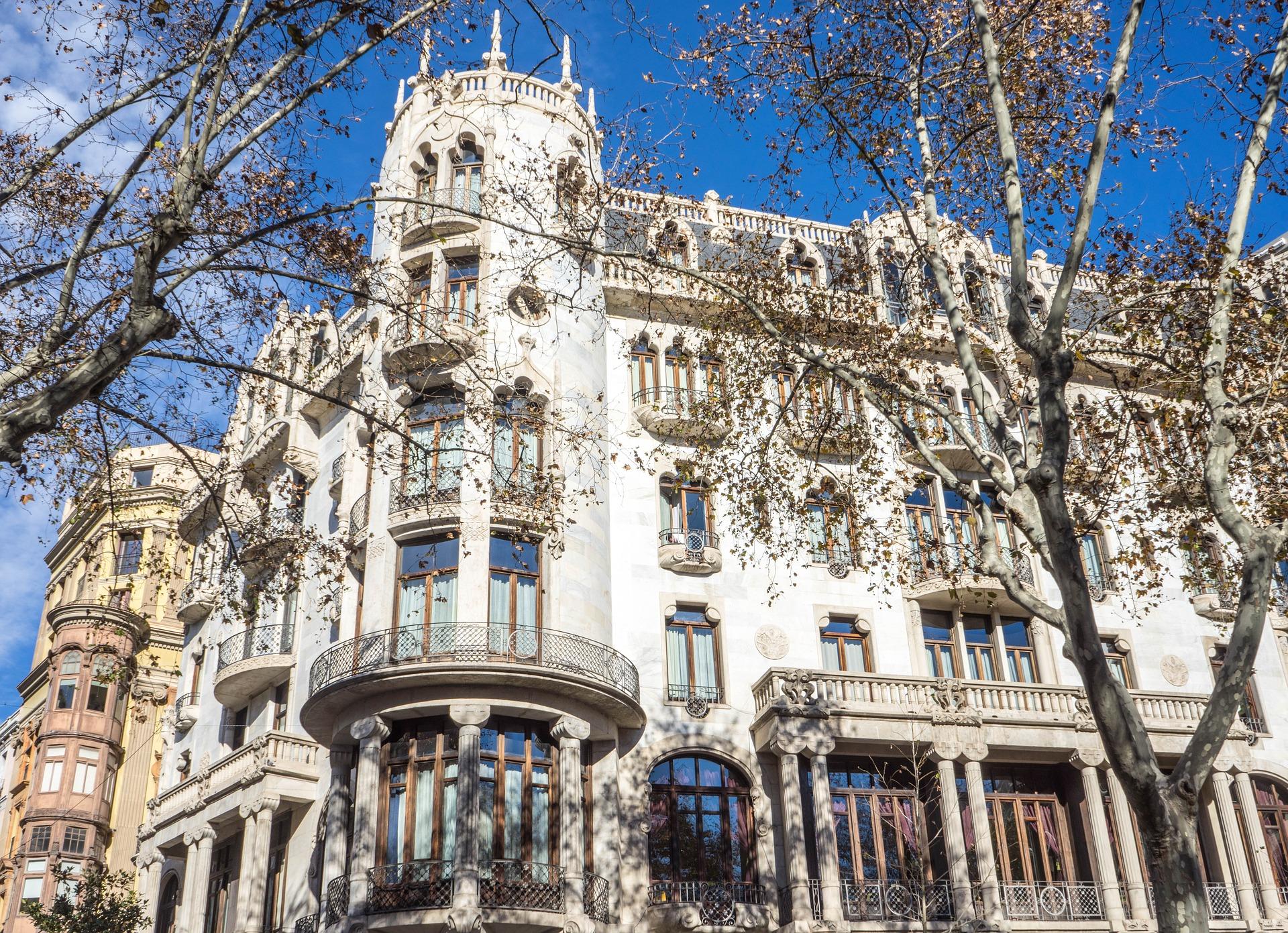 Casa Fuster Barcelona © Mariamichelle / Pixabay